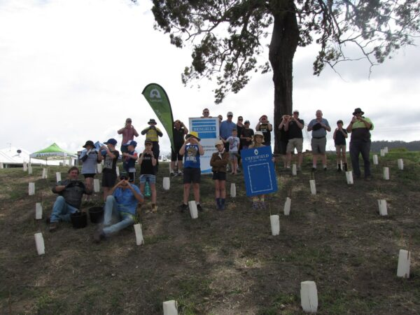 Community pitches in to plant trees in Scone